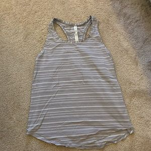 Lululemon Love Tank Pleated, Size 6
